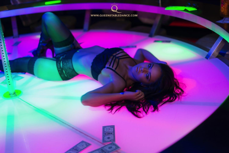 queens tabledance nightclub. Black Bedroom Furniture Sets. Home Design Ideas